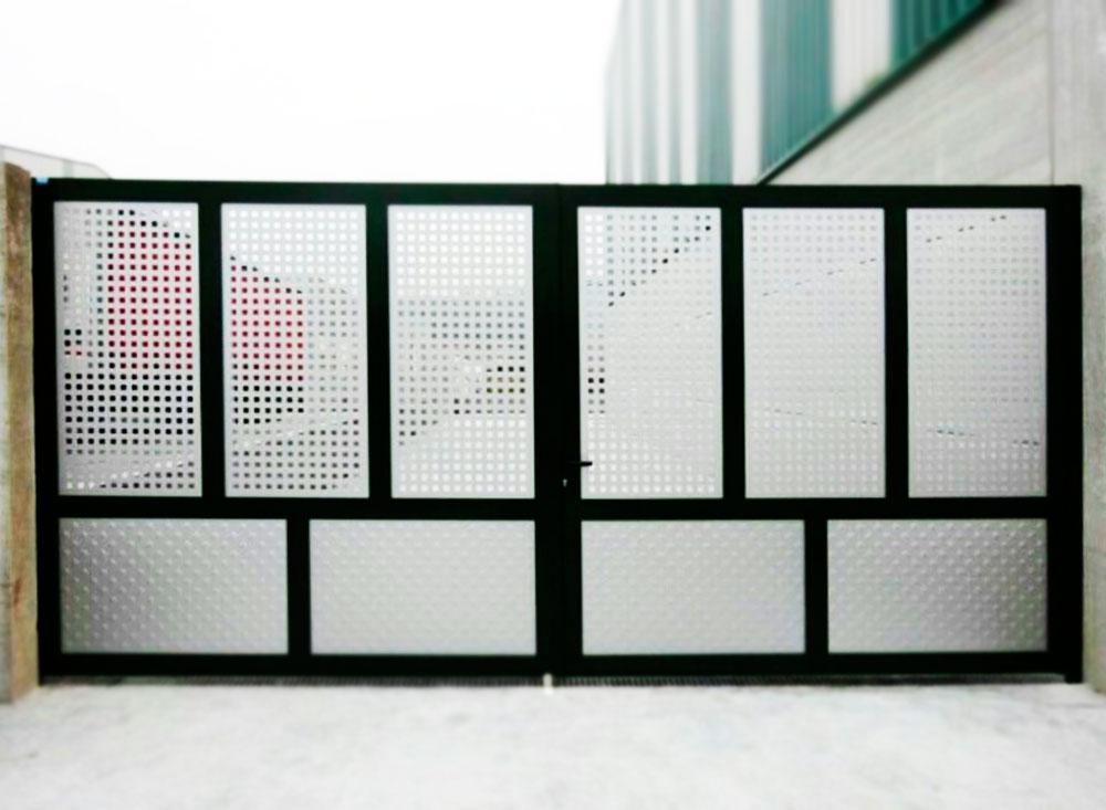 Puerta Batiente Industrial - Puertas Automáticas Merino