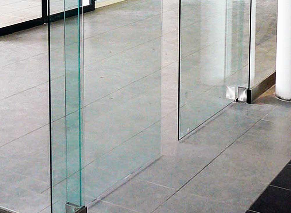 Puertas de cristal correderas comerciales puertas for Puertas correderas de cristal