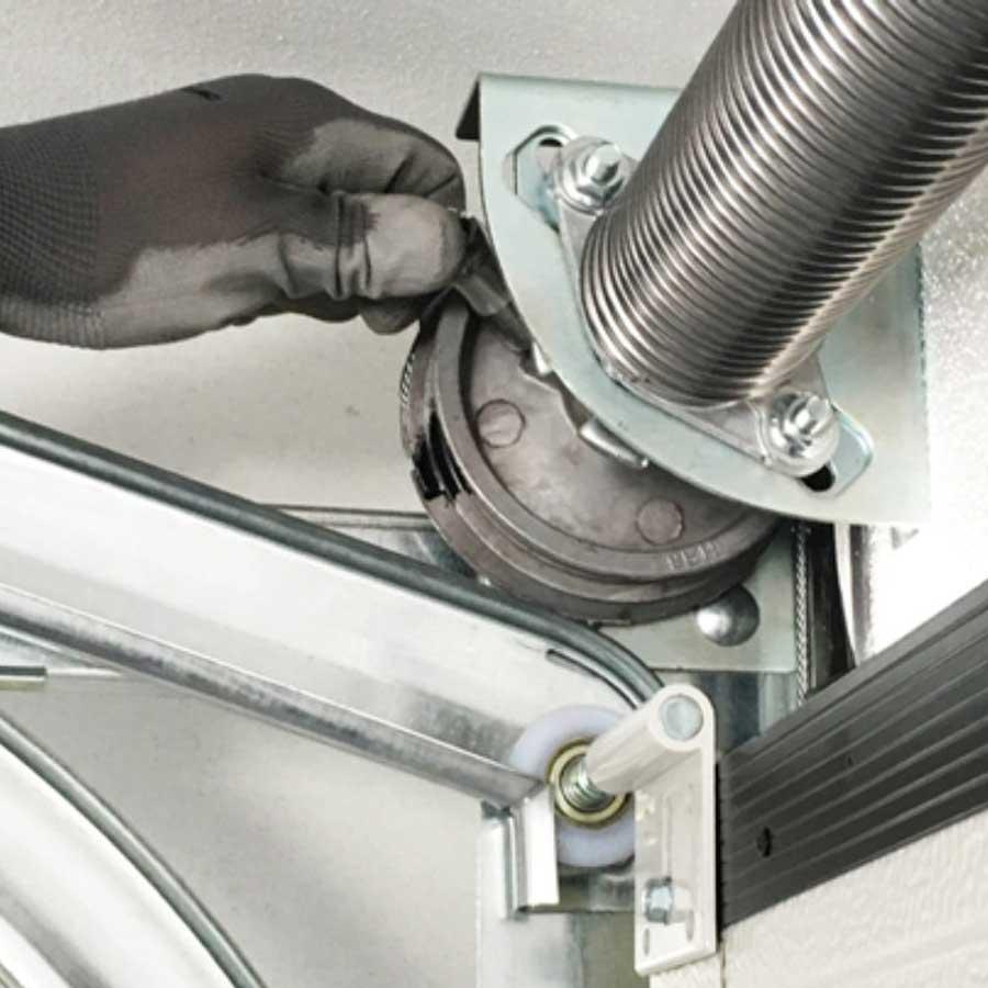 Servicio de reparación de puertas y automatismos - Puertas Merino