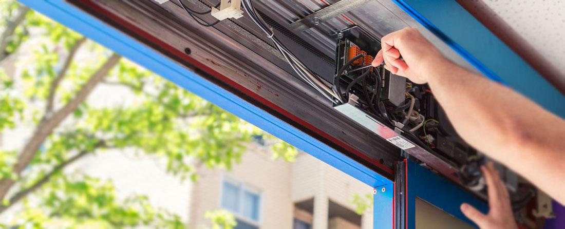 Puertas Merino - La importancia de un buen mantenimiento de tu puerta de garaje