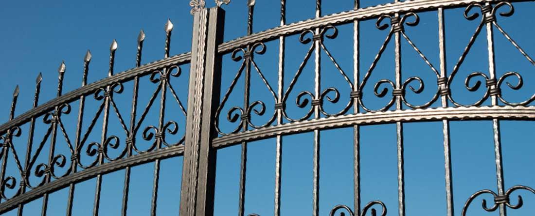 Cómo elegir la puerta del garaje de tu comunidad - Puertas Merino