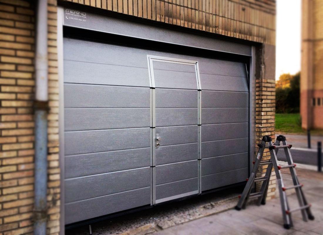 Nuevas instalaciones de puertas de garaje seccionales en - Puertas automaticas para cocheras ...