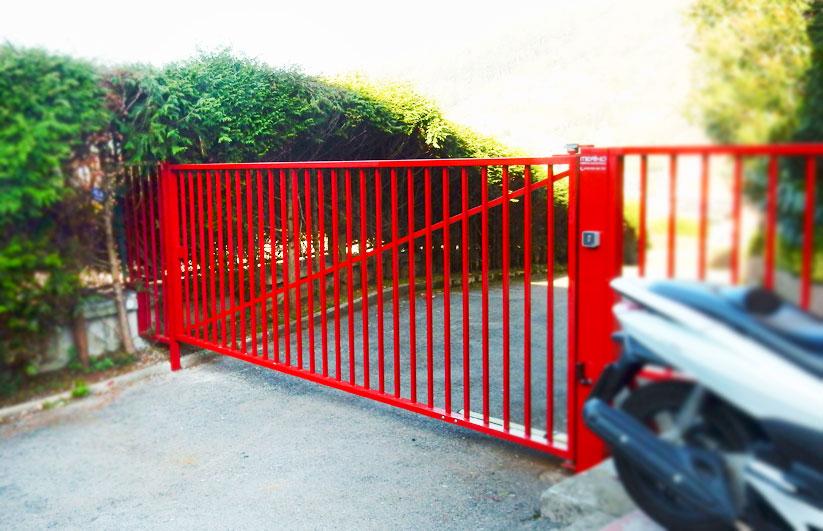 Puerta Batiente Residencial Automática - Puertas Merino