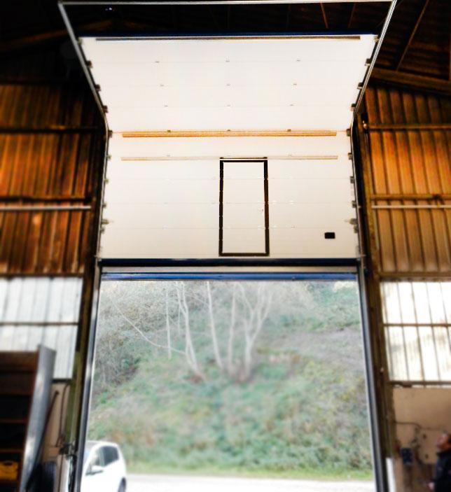 Puerta Seccional Industrial Automática - Puertas Merino