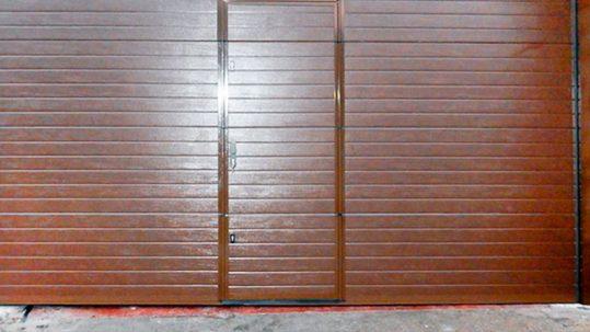 Puerta de garaje automática preleva - residencial - Puertas Automáticas Merino - Donostia/San Sebastián